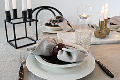Vitra / Eames Dsr / Ton / Thonet / Artek / Kubus / By Lassen / Marble / Iittala / Hobstar / Balmuir / Linen / Table setting / Scandinavian home By Lassen, Scandinavian Home, Holiday Tables, Winter Holidays, Eames, Table Settings, Marble, Dining Table, Dishes