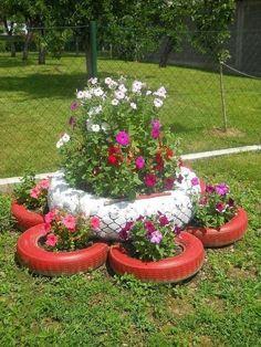 9 Creative DIY Tire Planter Ideas to Upgrade Garden View # and Exterior Garden Crafts, Garden Projects, Garden Art, Garden Design, Landscape Design, Tire Planters, Garden Planters, Tire Garden, Garden Pallet