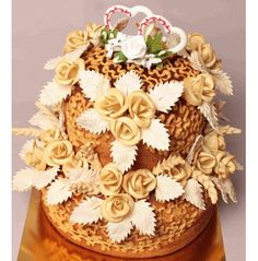 Food Art, Bread, Costumes, Cake, Sweet, Desserts, Wedding, Pie Cake, Tailgate Desserts