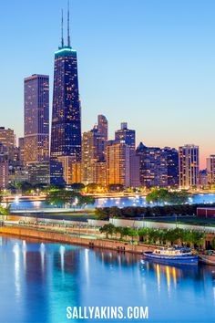 Discover the top things to do in Chicago (USA). Includes the top places to eat, the best views of the city, and can't-miss places to visit when you take a city break in Chicago! #Chicago #USA #Travel #CityBreak