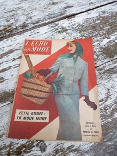 Vintage october 1957 french Issue Fashion par petitbrocante sur Etsy, $5,00