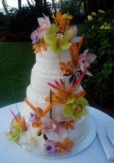 Cake decorations Hawaiian style