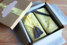 Baby Box Telle Mère Telle Fille - Batiste de coton bio grise et citron - un Pingouin sur la Banquise
