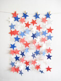 Star Spangled Paper Garland -- adorable patriotic party backdrop!
