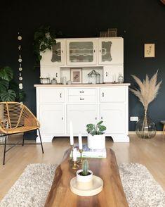 Vintage Sideboard Meets Pampasgras: Die Perfekte Wohnzimmerdeko Haben Wir  Im Zuhause Von Sminna_j Gefunden