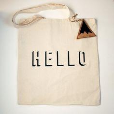 Hello Illusion Tote Bag SALE por TwelvePineandCo en Etsy
