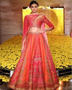 Here you Find Top 10 Styles organized by FDCI India Couture Week 2019 in partnership with the popular Hindustan Times showcased the budding designers. Indian Bridal Lehenga, Indian Bridal Makeup, Indian Sarees, Indian Attire, Indian Wear, Bridal Outfits, Bridal Dresses, Indian Dresses, Indian Outfits