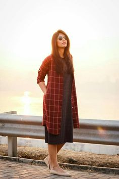 Ideas for skirt outfits denim casual Stylish Dresses, Casual Dresses, Fashion Dresses, Linen Dresses, Kurta Designs Women, Blouse Designs, Indian Designer Outfits, Designer Dresses, Casual Frocks