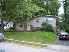 524 S Central Blvd Broomall, PA 19008 home for sale Delaware County http://www.anthonydidonato.net/wordpress/2013/06/05/524-s-central-blvd-broomall-pa-19008-home-for-sale-delaware-county/ Please Contact Me for more information about this home for sale at 524 S Central Blvd Broomall, PA 19008 in Delaware County and other Homes for sale in Delaware County PA and the Wilmington Delaware Areas: Anthony DiDonato Cell Number: (610) 659-3999 Email: anthonydidonato@gmail.com