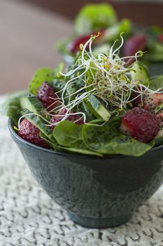 strawberry-baby-spinach-salad1
