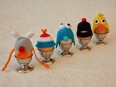 #haken, gratis patroon, eierwarmers, #crochet, free pattern (Dutch), eggcosy's Holiday Crochet, Easter Crochet, Crochet Home, Love Crochet, Crochet Gifts, Beautiful Crochet, Crochet Dolls, Crochet Yarn, Funny Eggs
