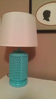 spray painted lamp Spray Paint Lamps, Painting Lamps, Painted Lamp, Diy Home Decor Projects, Organizing, Master Bedroom, Table Lamp, Living Room, Cool Stuff