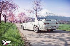 FastLane ★ https://www.facebook.com/fastlanetees   The place for JDM Tees, pics, vids, memes & More  Skyline GT-R R32