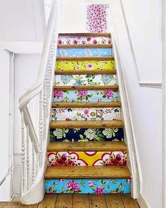 Oh how I love these beautiful stairs - inspired living and dreaming of a beautiful home, art and creativity