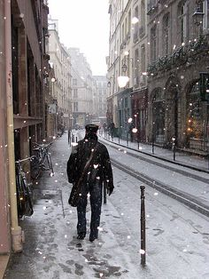 A snowy in Le Marais, Paris. Very much needed and missed. A sunny day in Le Marais works just as well!!