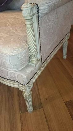 Detail on two seater sofa Vanity Bench, Sofa, House Design, Detail, Furniture, Home Decor, Homemade Home Decor, Home Furnishings, Couch