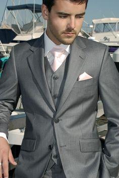Groomsmen tuxedos blush pink and grey Blush Groomsmen, Groomsmen Attire Grey, Groomsmen Tuxedos, Groom Attire, Groom And Groomsmen, Groomsman Attire, Grey Tuxedo Wedding, Blush And Grey Wedding, Wedding Suits