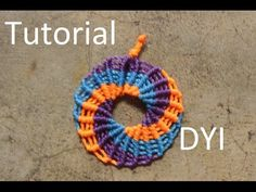 circle earrings macrame - Tutorial: These look incredibly time consuming, but the end result is very fun. Macrame Colar, Macrame Rings, Macrame Necklace, Macrame Knots, Macrame Jewelry, Macrame Bracelets, Loom Bracelets, Friendship Bracelets, Macrame Earrings Tutorial