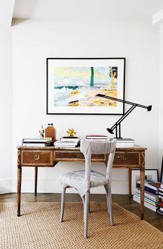 Cadeira ultra contemporânea + escrivaninha antiga