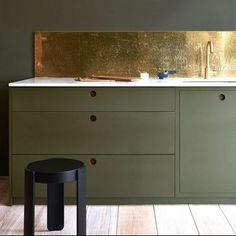 Kitchen design inspiration & decoration ideas - Home Decor Little Greene, Moroccan Tiles, Romantic Homes, Splashback, Painting Kitchen Cabinets, Rustic Elegance, Retro, Kitchen Design, Design Inspiration