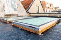 2 beloopbare daklichten. Voordat de vlonders en dakbedekking er tegen aangebracht zijn. Home, Ad Home, Homes, Haus, Houses