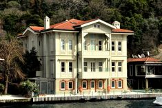 KANLICA HACI AHMET ARIF BEY YALISI Turkey Photos, Waterfront Homes, Luxury Homes Interior, Old Houses, Seaside, Ottoman, Villa, Island, Mansions