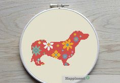 modern cross stitch pattern dachshund flower power door Happinesst