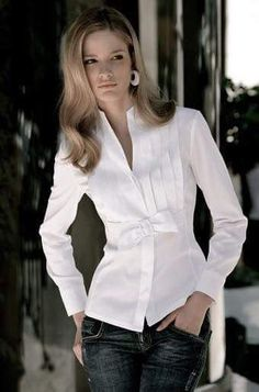 l❤️ a plain white blouse Stylish Dresses, Fashion Dresses, Fashion Fashion, Classic White Shirt, Business Outfit, White Shirts, White Blouses, Mode Inspiration, Blouse Designs