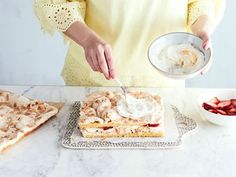 Yummy Cakes, Camembert Cheese, Food And Drink, Sweets, Bread, Cookies, Dining, Desserts, Recipes