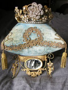 A crown resting on an aqua velvet cushion Whale Pillow, Cushion Pillow, Butterfly Pillow, French Baby, Tiara Hairstyles, Wedding Pillows, Burlap Pillows, Tiaras And Crowns, Crown Jewels
