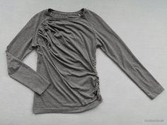 herzekleid: T-SHIRT-BAUSTEINE: Raglanshirt mit in schräge Falten gelegtem Vorderteil