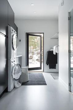 Nice and Wonderful Scandinavian Laundry Room Design Ideas Laundry Room Organization, Laundry Room Design, Laundry In Bathroom, Laundry Room Lighting, Sauna Design, Interior Design Living Room, Mudroom, Home And Family, Room Decor