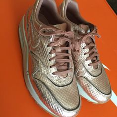 Nike air max Limited edition. Like new! 4.5/5 condition Nike Shoes Athletic Shoes