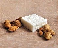 - Elegantné mydlo s mandľovým olejom a vôňou marcipánu - 1208349