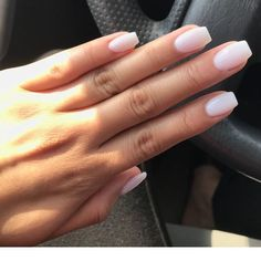 Semi-permanent varnish, false nails, patches: which manicure to choose? - My Nails Aycrlic Nails, Hair And Nails, Nude Nails, S And S Nails, Work Nails, Nail Nail, Diy Nails, Cute Acrylic Nails, Acrylic Nail Shapes