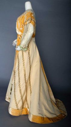 PEACH EVENING GOWN, c. 1912 : Lot 185