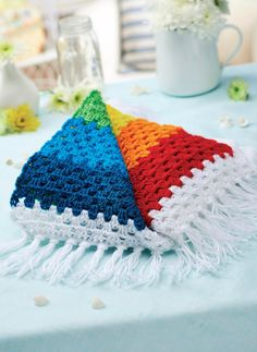 FREE PATTERN! Stripy crochet rainbow blanket