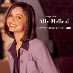 Ally Mc Beal.. een oude serie die ik vanaf de eerste tot de laatste aflevering al minstens 5x heb bekeken.  En ik kan hem zo nog 5x bekijken! Hilarisch, romantisch en fantasierijk!