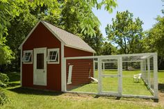 Two Men and a Little Farm: INSPIRATION THURSDAY, RED WHITE CHICKEN COOP AND YARD