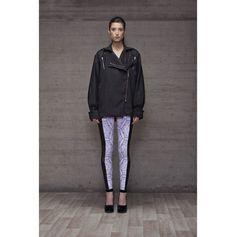 Abrigo perfecto Branding Design, Leather Jacket, Womens Fashion, Jackets, Fashion Design, Wraps, Studded Leather Jacket, Down Jackets, Leather Jackets