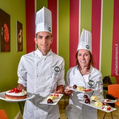 Tre settimane di lezioni teorico-pratiche svolte da docenti professionisti per apprendere l'arte della produzione del gelato italiano e le strategie per aprire un punto vendita. Possibilità di svolgere un periodo di formazione presso artigiani selezionati