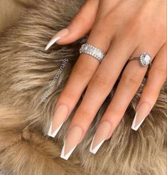 Do you like long nails? Especially for the long coffin nails? Your answer should be as positive as ours. The long coffin nail style is so hot French Tip Acrylic Nails, Long Square Acrylic Nails, Bling Acrylic Nails, Acrylic Nails Coffin Short, Simple Acrylic Nails, Winter Acrylic Nails, Long French Tip Nails, Matte Nails, Acrylic Nail Designs