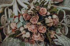 Hola a tod@s, Estilo Hippy, Floral Wreath, Wreaths, Hip Wedding, Floral Decorations, Wedding Bouquets, Weddings, Floral Crown, Door Wreaths