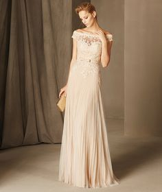 Belmez - Maid of honour dress with envelope neckline, lace, tulle and gauze