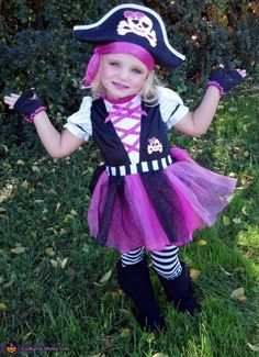 Pirate Costume - Halloween Costume Contest via @costumeworks