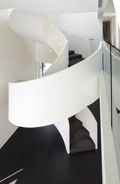 Diseño de Interiores & Arquitectura: Elegante Residencia Basada en un Contraste de Claros y Oscuros