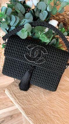 Diy Crochet Bag, Puff Stitch Crochet, Crotchet Bags, Crochet Bag Tutorials, Crochet Basket Pattern, Crochet Crafts, Crochet Projects, Crochet Handbags, Crochet Purses