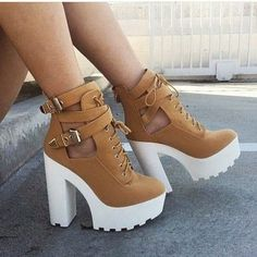 Booties True to size Wild Diva Shoes Ankle Boots & Booties Fancy Shoes, Pretty Shoes, Me Too Shoes, High Heels, Shoes Heels, Pumps, Fashion Boots, Sneakers Fashion, Swag Fashion