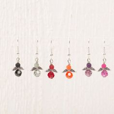 Kleine Engelohrringe mit Polaris Perlen und Swarovski Elements Perlen. Eine Amleitung gibt es bei Glücksfieber.