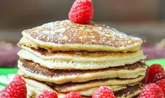 Nízkokalorické palačinky Czech Recipes, Pancakes, Recipies, Food And Drink, Homemade, Baking, Breakfast, Czech Food, Fitness